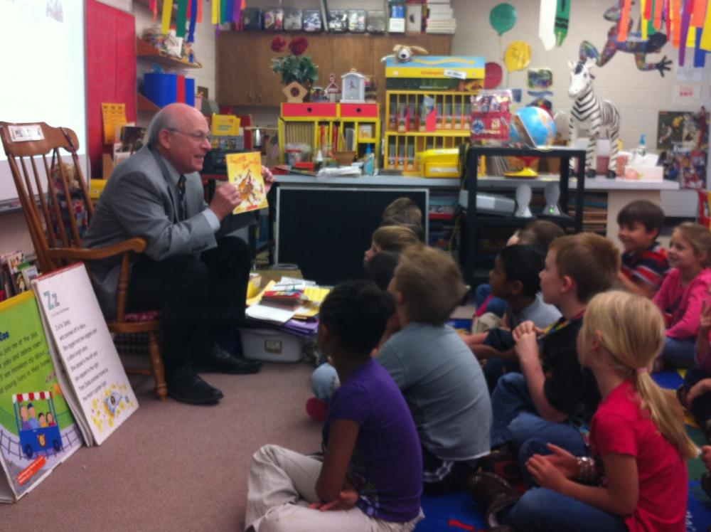 Superintendent Shelley Berman visits a west Eugene kindergarten classroom