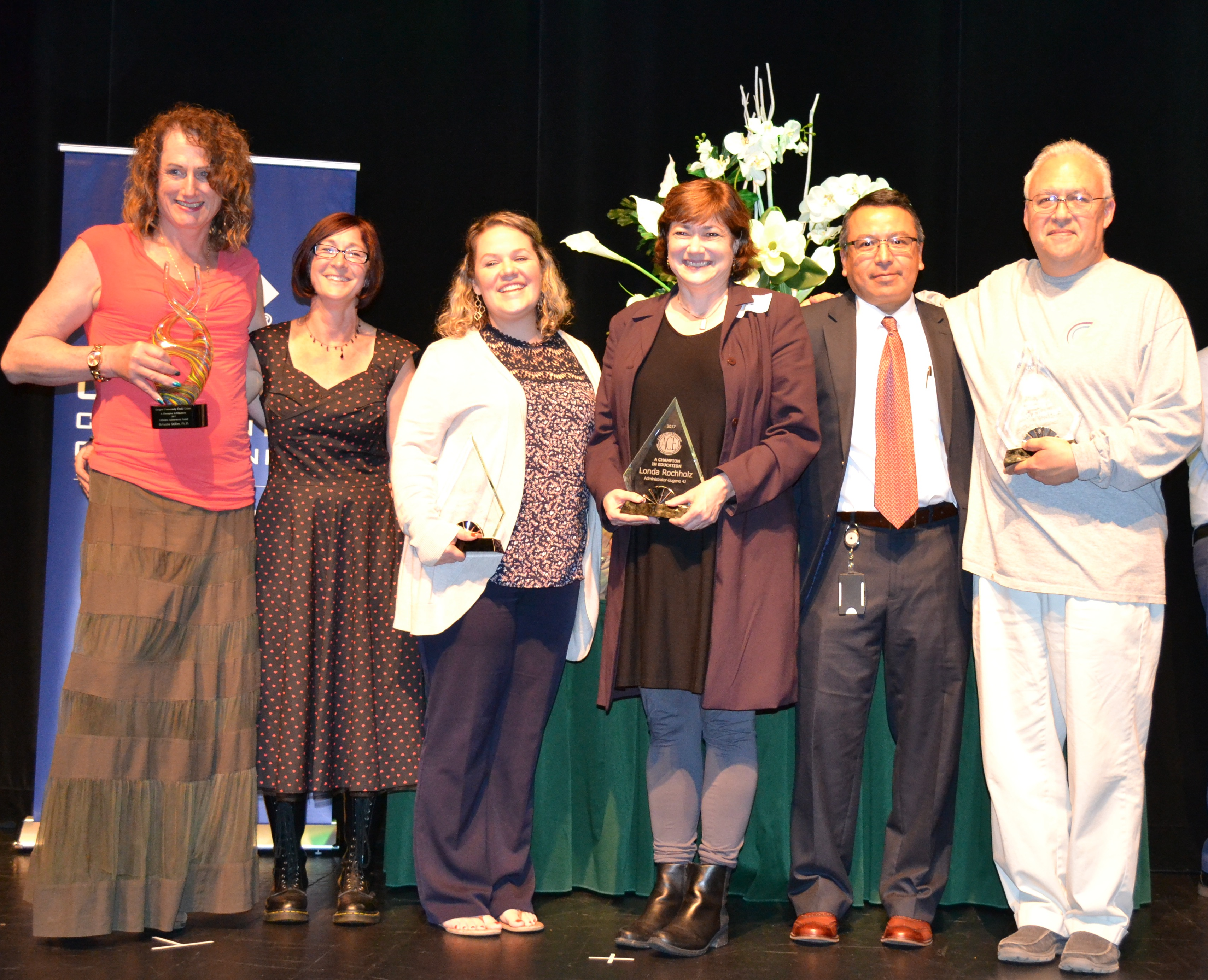 2017 ACE Awards Champions Brianna Stiller, Judy Salisbury, Jaimee Massie, Londa Rochholz and Fernell Lopez, with superintendent Gustavo Balderas (second from right)